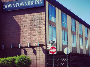 Exterior view of Downtowner Inn & Suites.