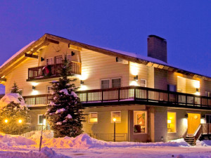Exterior view of Mammoth Creek Inn.