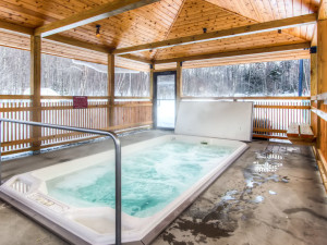 Hot tub at GetAway Vacations.