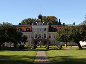 Exterior view of Södertuna Slott.