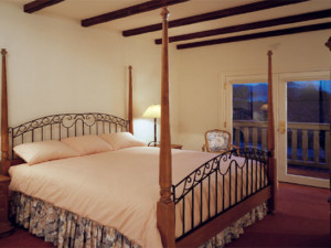 Guest room at Vineyard Country Inn.