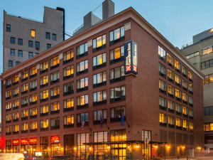 Exterior View of Hilton Garden Inn New York/Tribeca