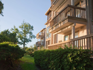 Exterior view of Sea Palms Resort.