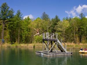 Kids playing in the lake at Splendor Mountain.