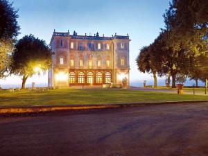 Exterior view of Park Hotel Villa Grazioli.