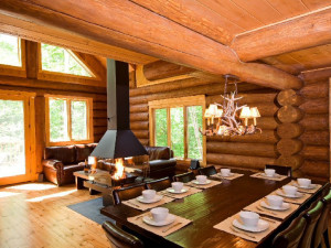 Cabin dining room at Tremblant VIP Lodging.