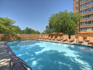 Outdoor pool at Virginian Suites Arlington.