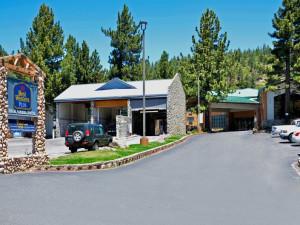 Exterior view of Best Western Plus High Sierra Hotel.