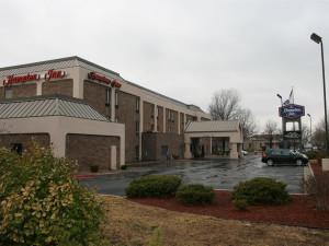 Exterior view of Hampton Inn Kansas City.