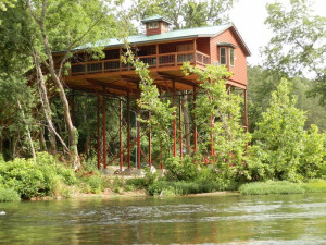 Tree house exterior at River of Life Farm.