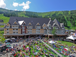 Exterior view of Schweitzer Mountain Resort and Selkirk Lodge.