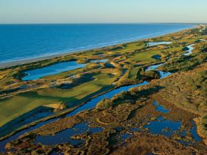Golf course near Elliott Beach Rentals.