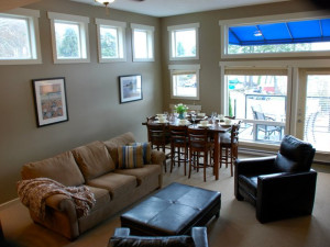 Living room at Sooke Harbour Resort & Marina.