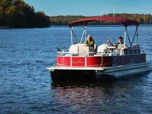 Pontoon rental on lake at North Country Vacation Rentals.