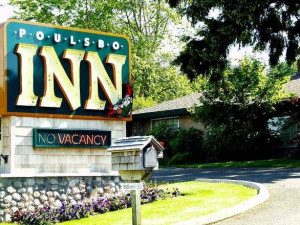 Exterior view of Poulsbo Inn and Suites.