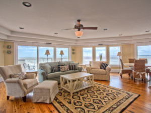 Vacation rental living room at Hodnett Cooper.