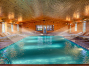 Indoor swimming pool at Stroudsmoor Country Inn.