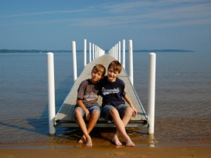 Kids on the dock at Tamarack Lodge.