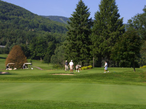 9 Scenic Golf Courses Nearby The Country Place Resort.