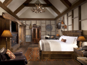 Guest bedroom at Big Cypress Lodge.