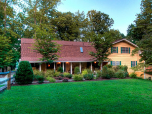 Exterior view of Mountain Top Lodge at Dahlonega.