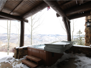 Vacation rental hot tub at Elevation Accommodations.