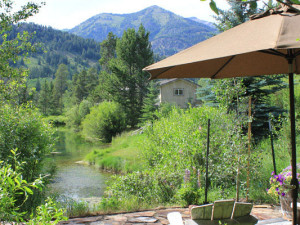 Rental patio at Rendezvous Mountain Rentals & Management.