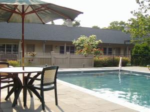Outdoor pool at Southampton Long Island Hotel.