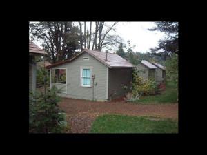 Cottage exterior at Sandhill Cottages.