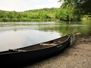 Canoeing at Cedar Valley Resort.