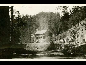 Historical photo of Hisega Lodge.
