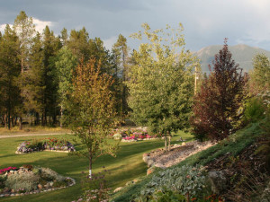 Grounds at Glaciers' Mountain Resort.