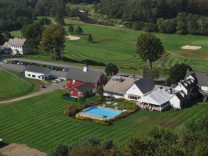 Aerial view of Three Stallion Inn.