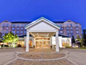 Exterior view of Hilton Garden Inn Toronto/Mississauga.