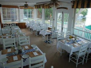 Lakeside dining at Shamrock Lodge.