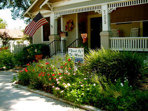 Exterior view of The Brenham House Bed & Breakfast.