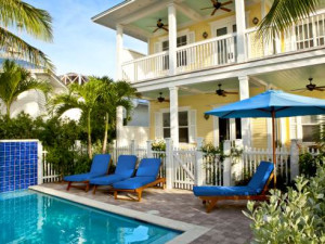 Pool area at Sunset Key Guest Cottages.