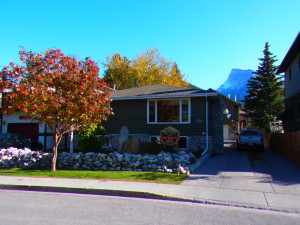 Exterior view of Banff Squirrel's Nest Bed and Breakfast.