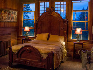Guest bedroom at Spillian.