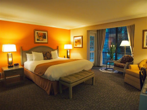 Guest room at The Inn At Saratoga.