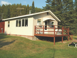 Cabin at Mike & Sandy Tall Pines Resort on Nelson Lake