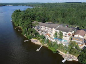 Aerial view of Cliffside Resort.