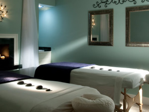 Massage table at James Madison Inn.