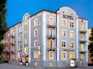 Exterior view of Hotel Lasserhof.
