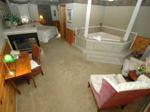 Romantic Suite at The Arbor Inn.