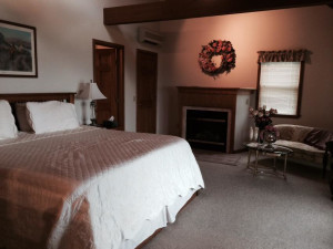 Guest room at Seneca Springs Resort.