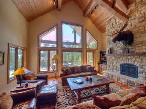 Rental living room at Big Sky Vacation Rentals.