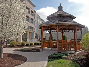 Exterior view of Courtyard Kansas City East/Blue Springs.