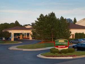 Exterior view of Courtyard by Marriott Detroit Auburn Hills.