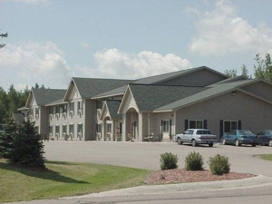 Exterior view of Evergreen Inn.